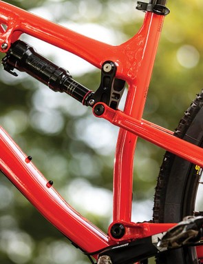 The rear end is controlled by a relatively long-stroke (55mm) RockShox Deluxe shock