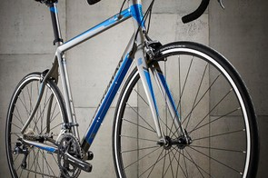 The Road Sport is well finished, with smooth welds at the head tube and top tube