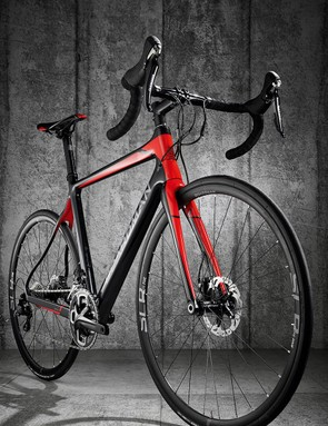 The lightweight frame has a claimed weight of under 900g