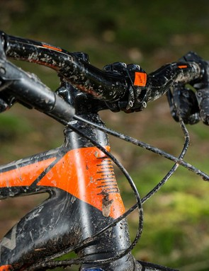The 68.5-degree head angle, 740mm bar and 55mm make a well-judged combo