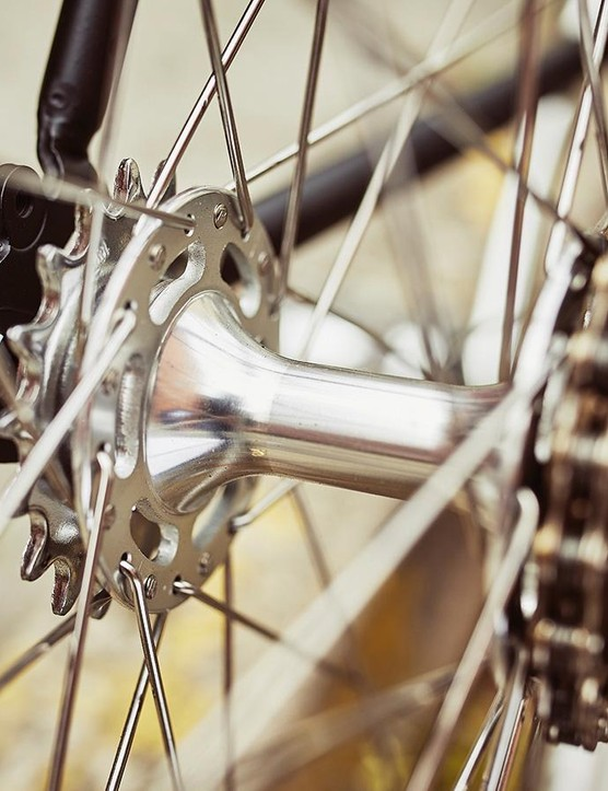 Choose to freewheel or go fixed with the flip-flop hub
