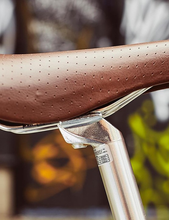 Bobbin's vinyl saddle