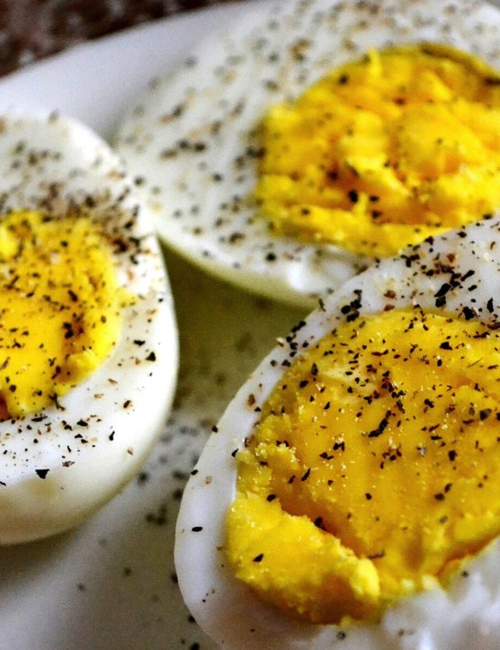 One boiled egg has approximately 78 calories, so you could be burning an average of 7.7 of these per hour!