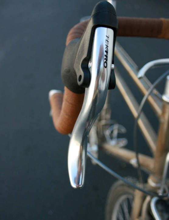 New brake levers from Tektro, designed with a finger-friendly, spoon-like paddle.
