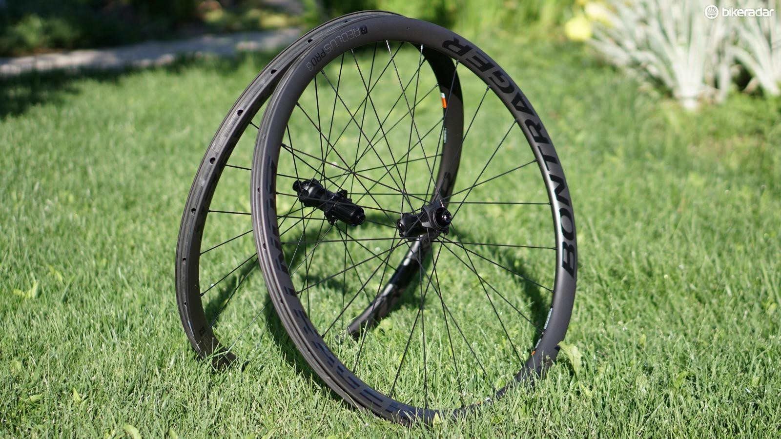 Bontrager Aeolus Pro 3 carbon tubeless wheel are quite competitive on price and weight