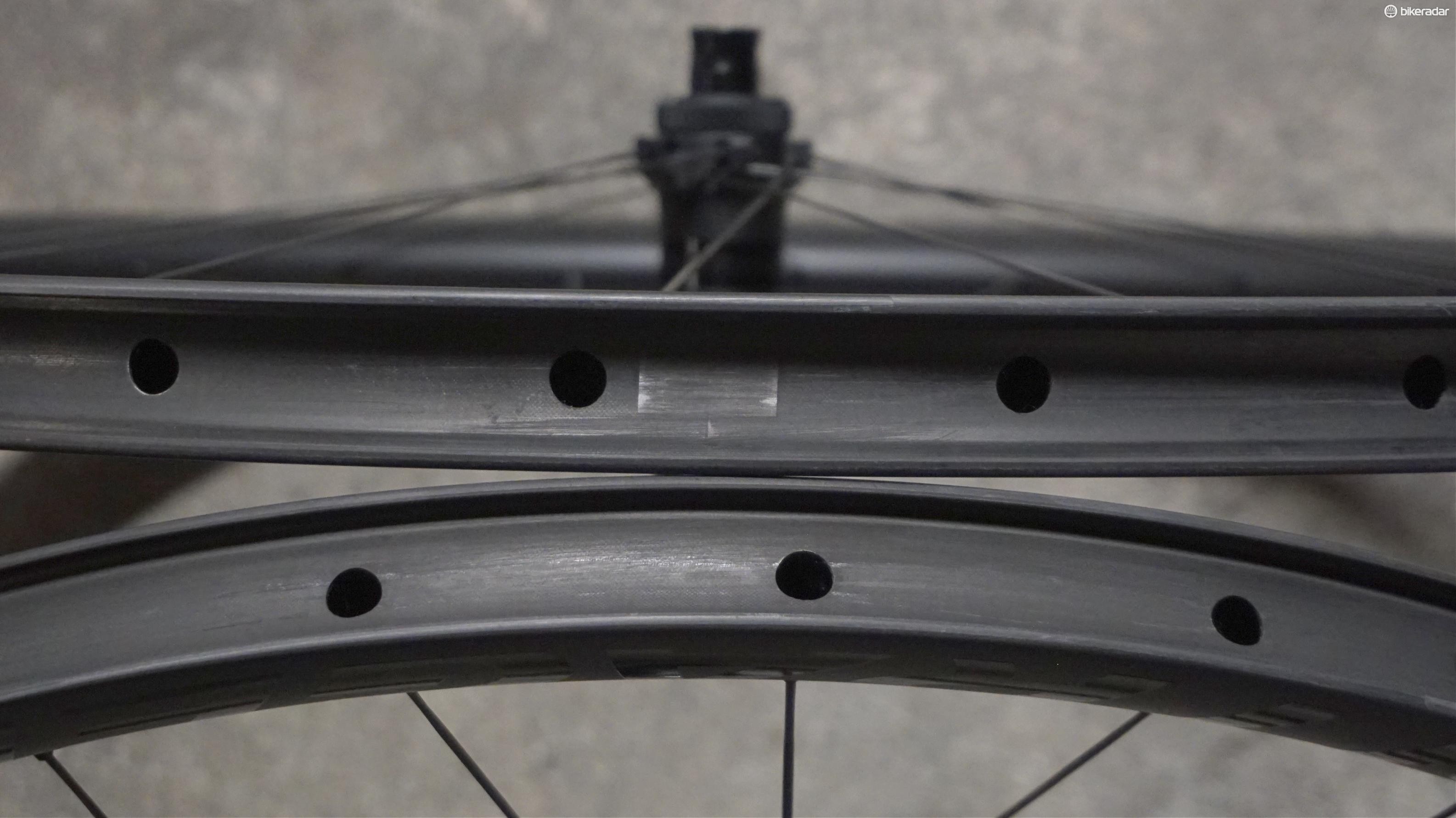 The 25mm internal rim width is designed for 32mm tyres and up