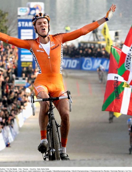 Lars Boom takes 'cross gold in Italy.