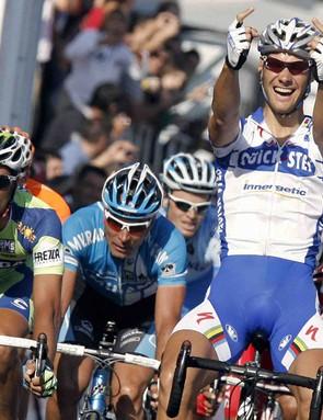 Tom Boonen was the last one to wear the rainbow jersey before Bettini's streak.