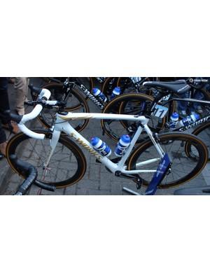Tom Boonen's rim-brake Specialized Roubaix