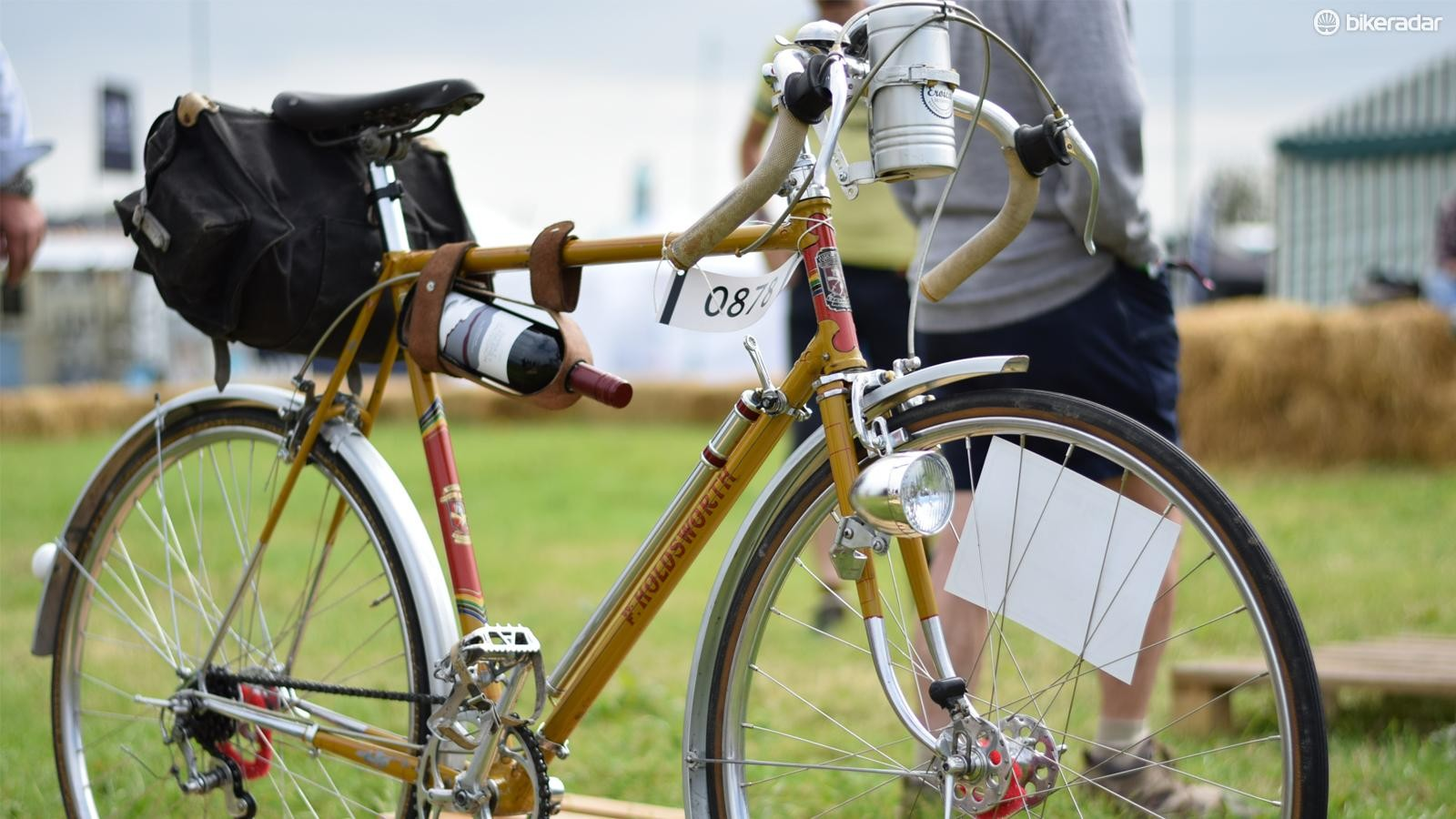 Not quite sure what model this F. Holdsworth is but it has a wine carrier. So it's in