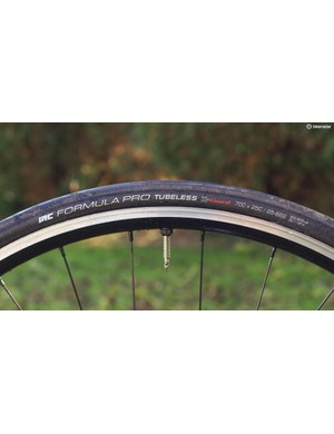 I tested the Borg22s with IRC tubeless tyres, which are imported by The Cycle Clinic