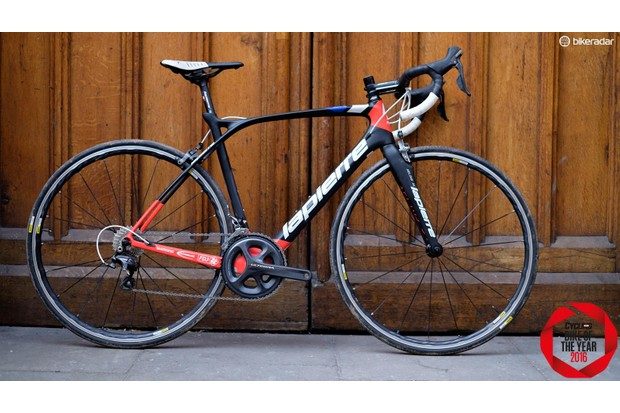 The Lapierre Xelius SL 600 looks amazing and is hard to fault with a smart selection of components bolted to it
