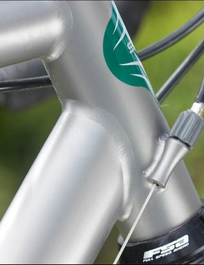 A welcome touch: gear adjusters on the head tube