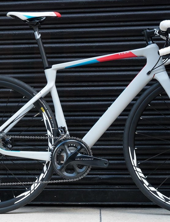 This Cube is one very smart bike