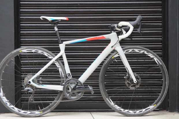 The Cube Axial WS C:62, a carbon-framed women's specific road bike