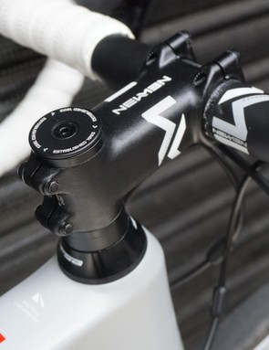 Finishing kit, including carbon bars and an alloy stem, is from Newmen Components
