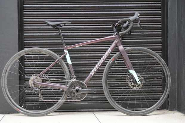 The aluminium-framed Diverge E5 Comp comes in an aubergine and pale turquoise colourway