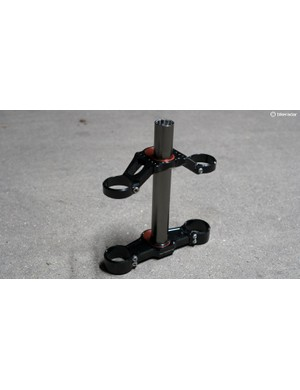 The Outsider Fox 40 offset crown kit allows you to adjust your fork offset to suit different tracks