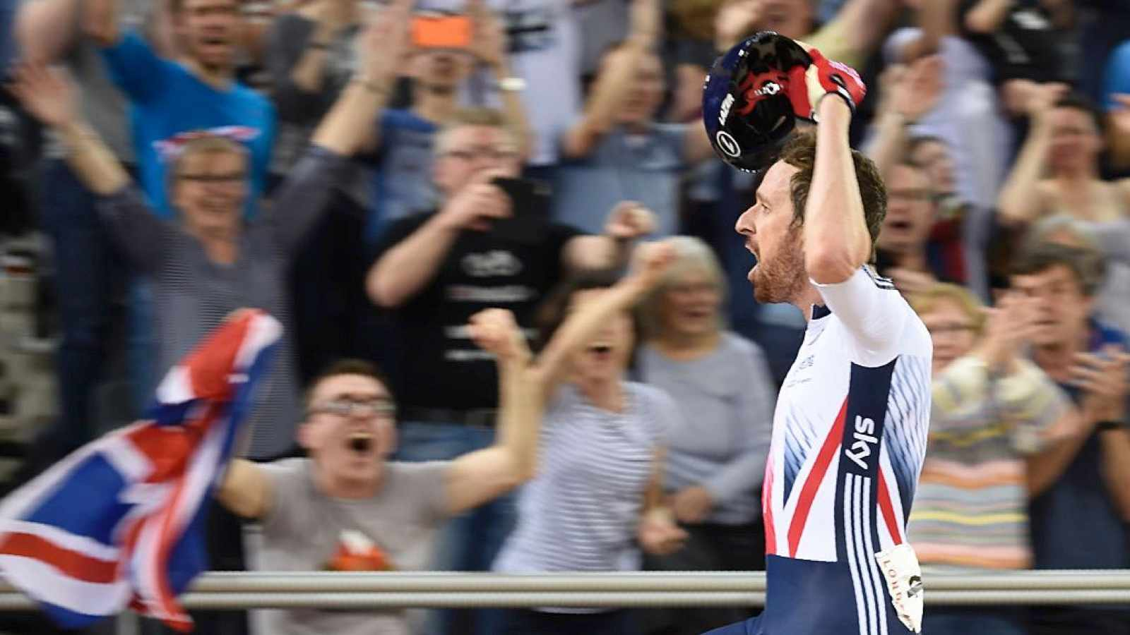 Bradley Wiggins celebrates after winning the Men's Madison final during the 2016 Track Cycling World Championships