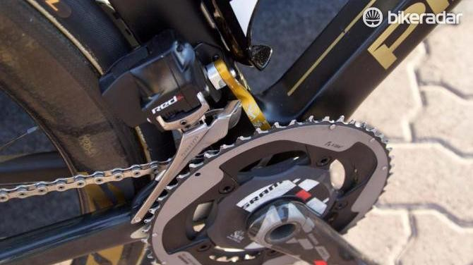 Wiggins' bike is kitted out with SRAM eTap wireless shifting