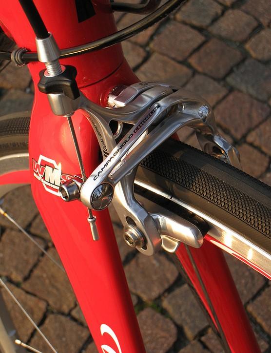 Campagnolo's D-Skeleton brake design uses a dual-pivot front brake…