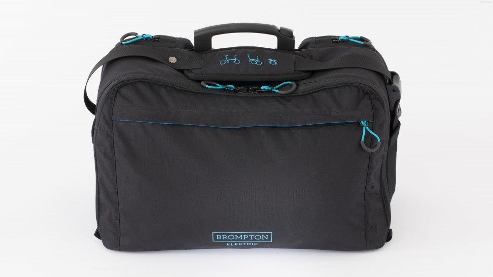 "A larger 20L ""commuter bag"" lets you carry bigger objects"