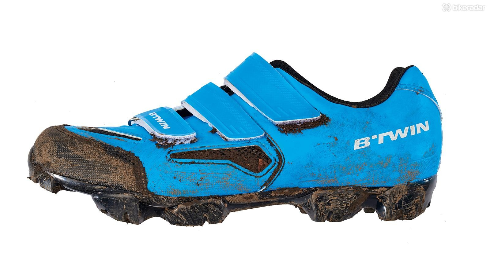 B'Twin's 500 cross-country shoe is a superb option for riders on a budget