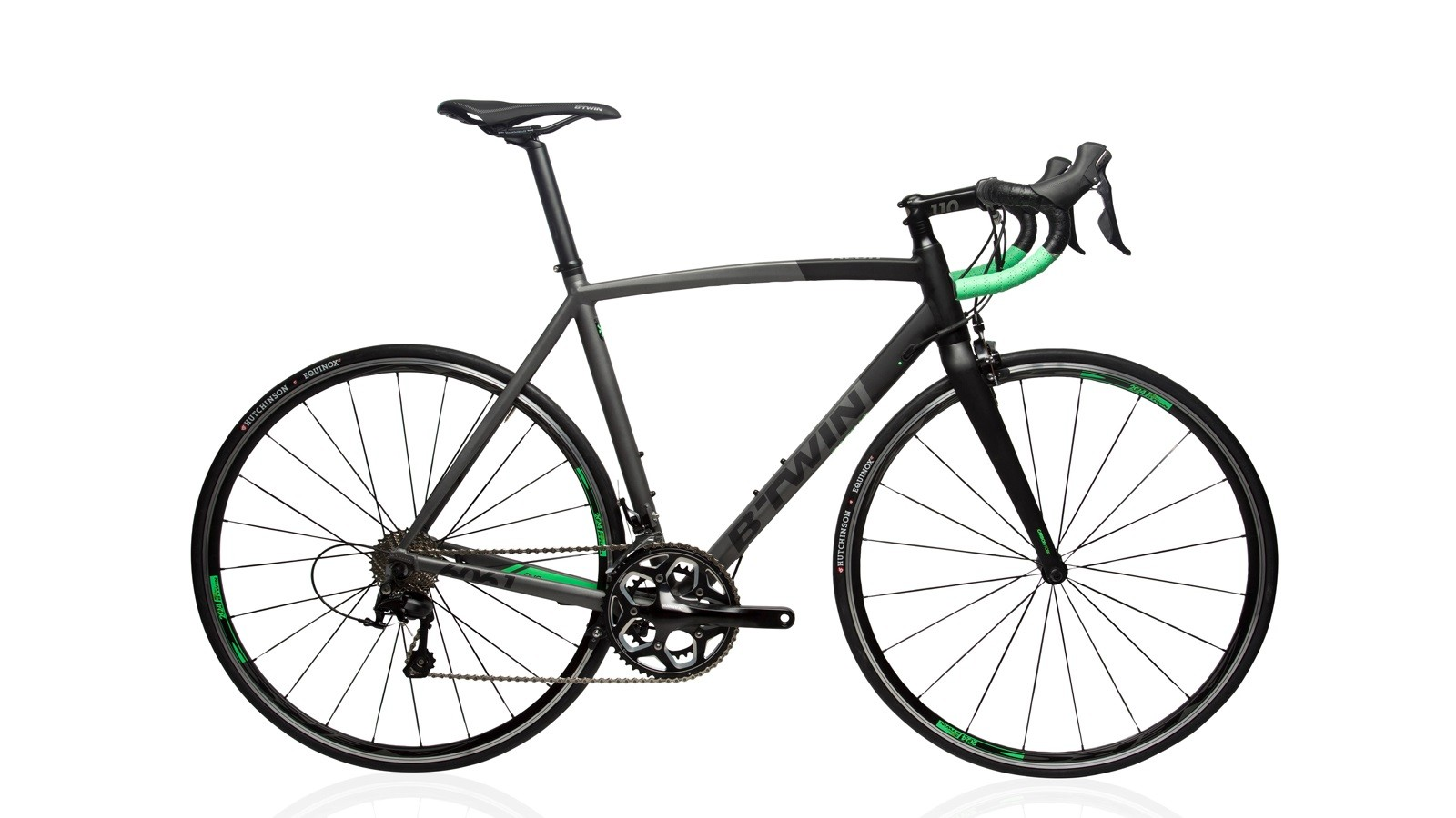 B'Twin's Ultra 700 AF road bike features an alloy frame and fork and a 105 drivetrain for £599 in the UK