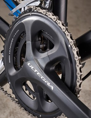 Only the chain from KMC breaks away from the Ultegra spec gearing