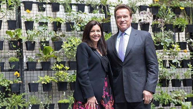 Paris Mayor Anne Hidalgo and former Governor of California Arnold Schwarzenegger presented C40's latest bike commuting research