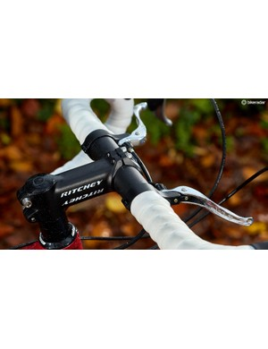 Great bar tape and the top-mount levers are always welcome for versatility, but we'd have liked a wider bar