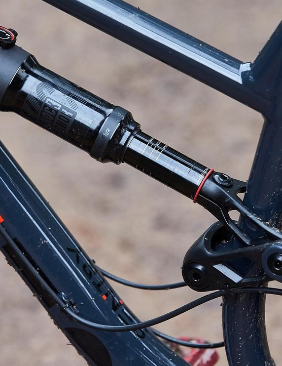 There's 150mm of rear wheel travel controlled via a RockShox Deluxe shock
