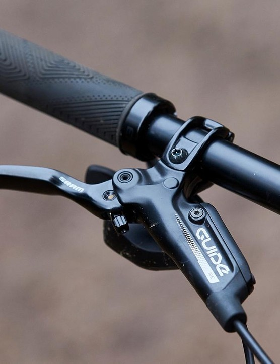 I was beyond impressed to see that Calibre has specced SRAM's powerful Guide RE brakes. Most bikes at this price, regardless of intended use, tend to get cheaper, less potent stoppers