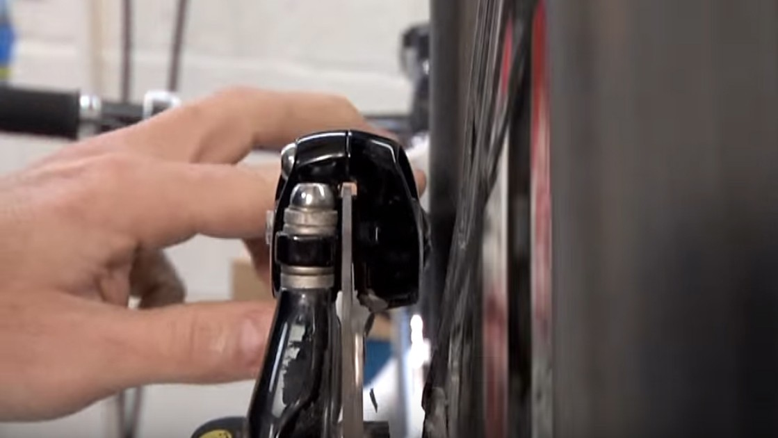 Align your disc brake calipers correctly to avoid annoying brake rub