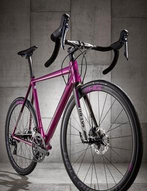 The bike weighed under 1,100g