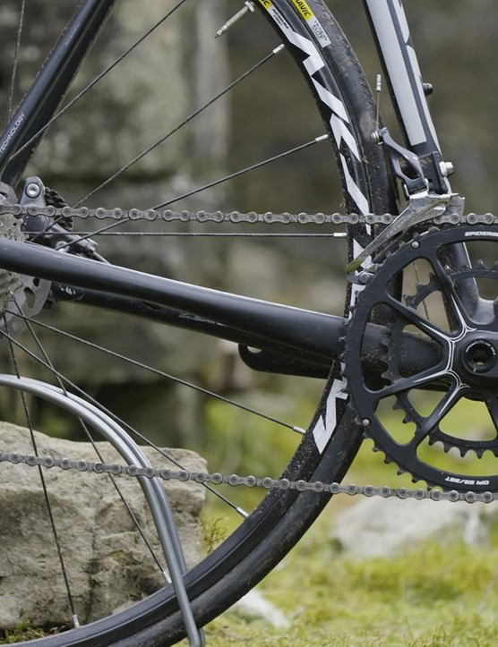 Cannondale's Hollowgram Si crank with one-piece 52/36 SpideRing is a classy addition