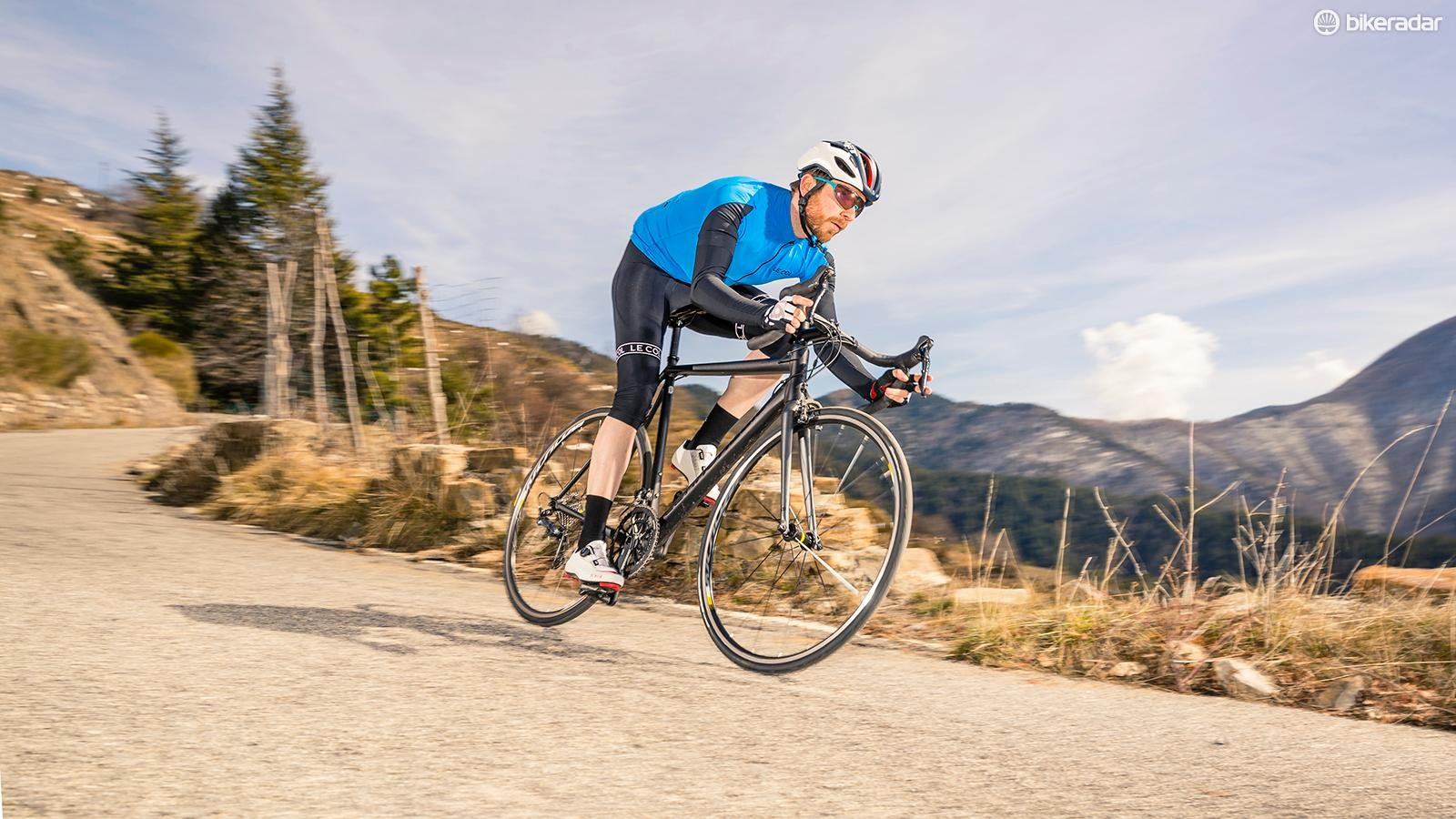 8d4c2ecd0a0 Cannondale CAAD12 Ultegra has a refined, highly tuned aluminium frame