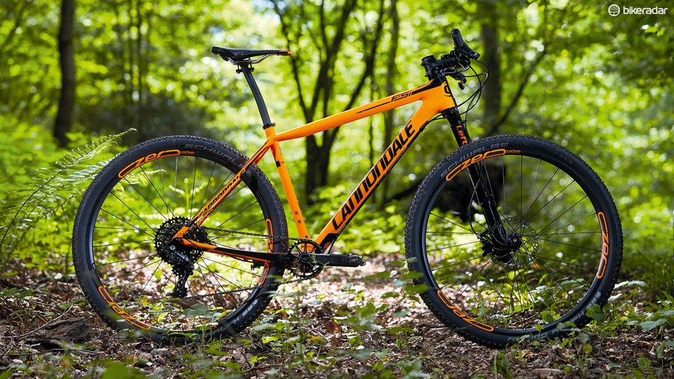 6ae2da6b2dd Cannondale's FSi Carbon 2 cross country hardtail