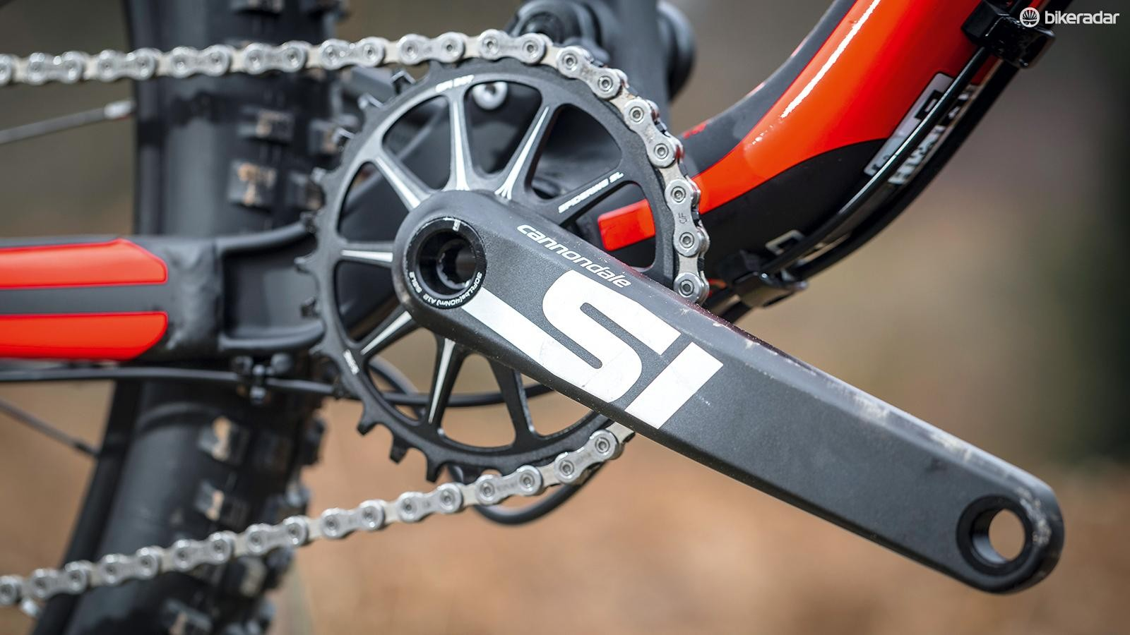 The BallisTec carbon mainframe and carbon suspension link are the same as on the high-end Habit Carbon 1