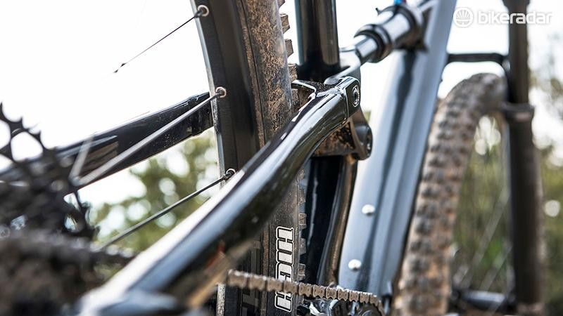 Cannondale uses an alloy back-end on this version of the Habit Carbon 3