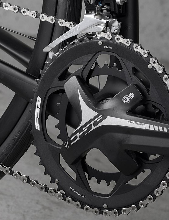 The Cannondale uses a road-orientated FSA Gossamer compact crankset