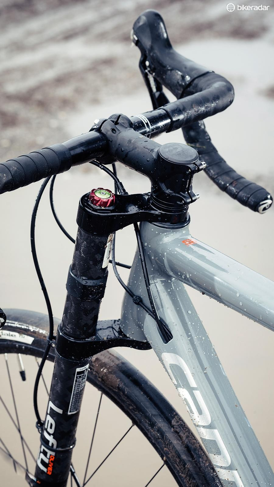 The Slate features Cannondale's new road-specific Lefty Oliver fork