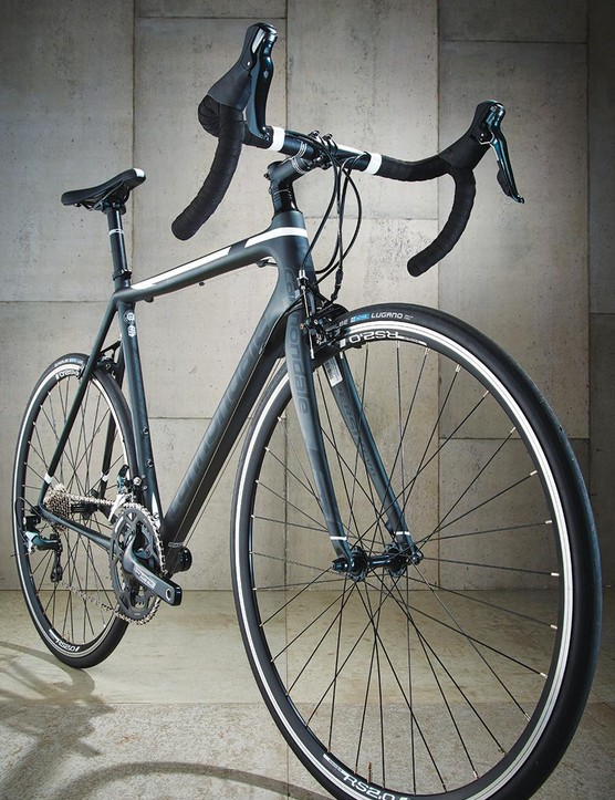 The basic wheels, and the Schwalbe rubber they're wrapped in, take the edge off the Cannondale's climbing prowess