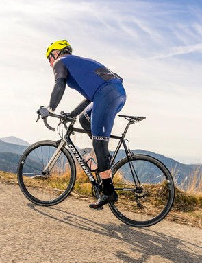 The slender seatpost and the SAVE carbon construction provide plenty of comfort