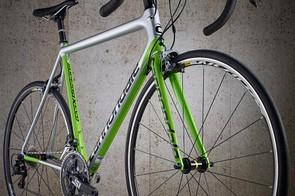 The SuperSix Evo Ultegra rolls on Mavic's Aksium wheels and Yksion tyres