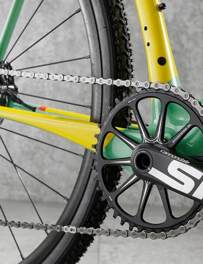 Chainset features Cannondale's one-piece SpideRing and Si cranks
