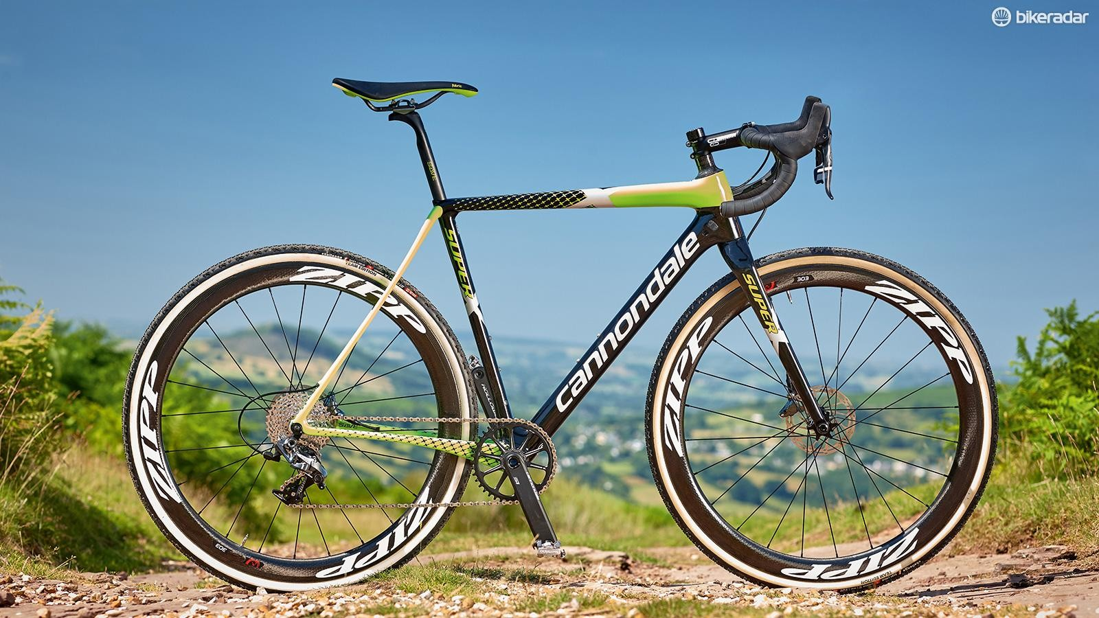 The new Cannondale SuperX uses the brands BB30-83 Ai standard