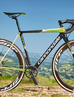 The fork legs have become slimmer, while the crown has swelled to match the head-tube's epic prop forward stockiness