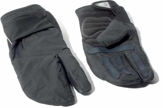 Cleverly adaptable lightweight glove