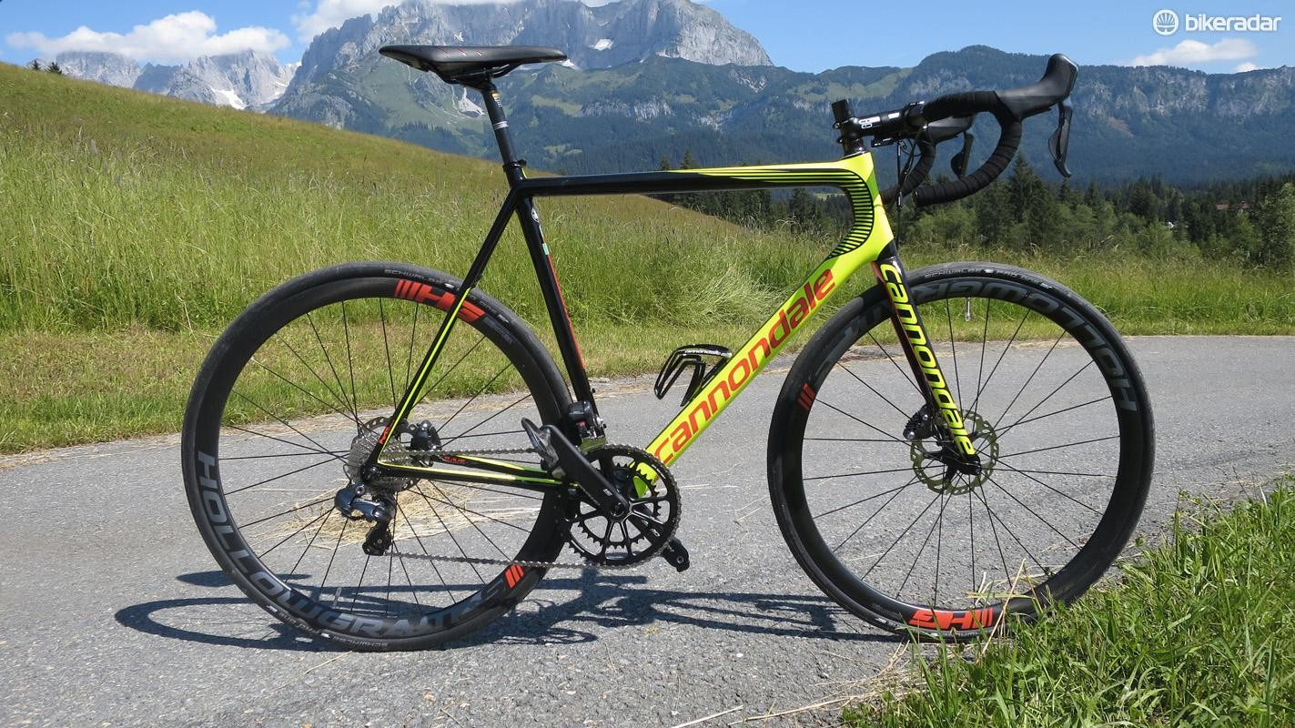 The new Cannondale SuperSIx EVO DIsc frame weighs just 820g
